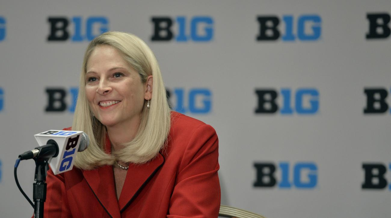 Maryland women's basketball head coach Brenda Frese speaks at the NCAA college Big Ten Media Day in Chicago, Thursday, Oct. 15, 2015.  (AP Photo/Paul Beaty)
