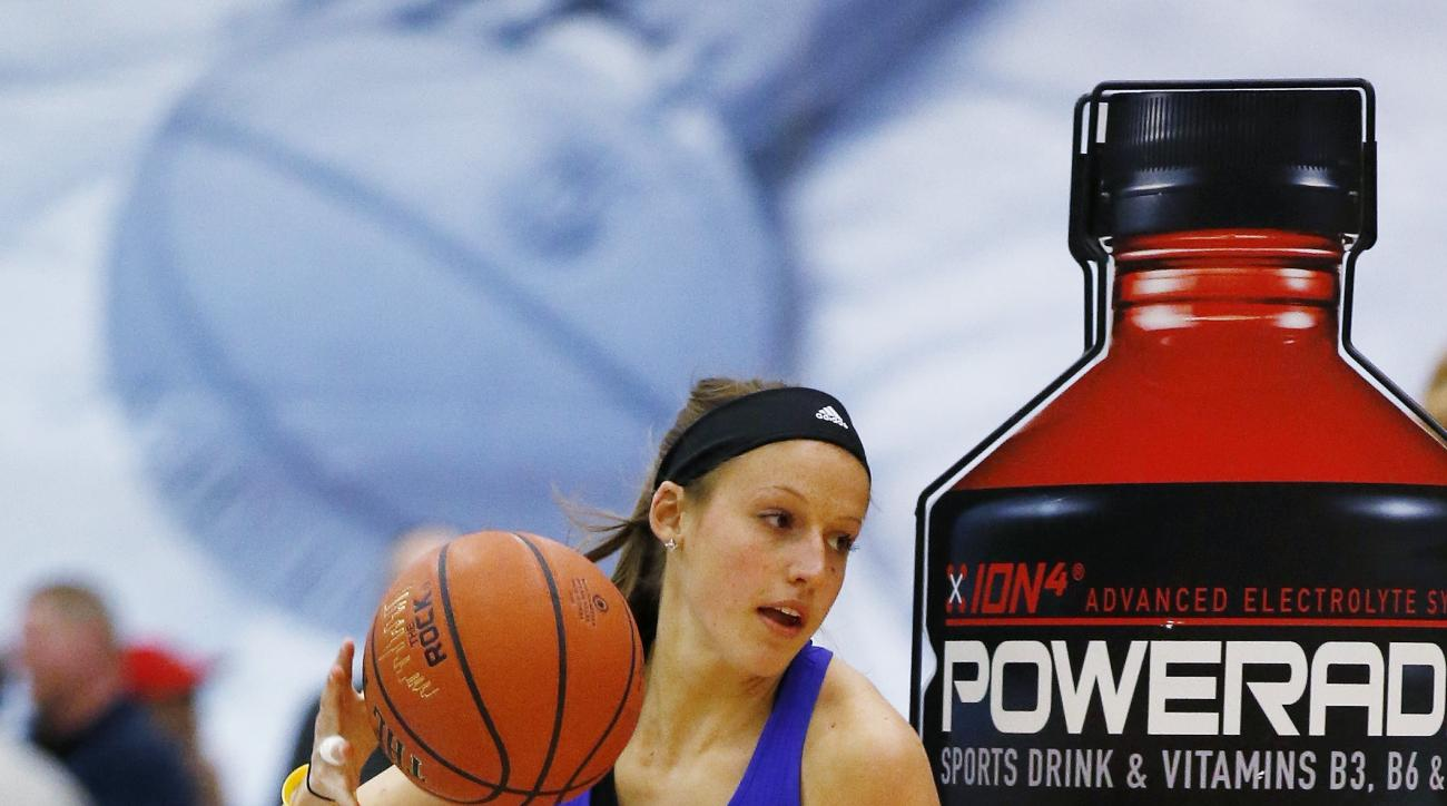 Ali Patberg, of Columbus, Ind., competes in the skills contest during the McDonald's All-American Jam Fest, Monday, March 30, 2015, in Chicago. (AP Photo/Andrew A. Nelles)