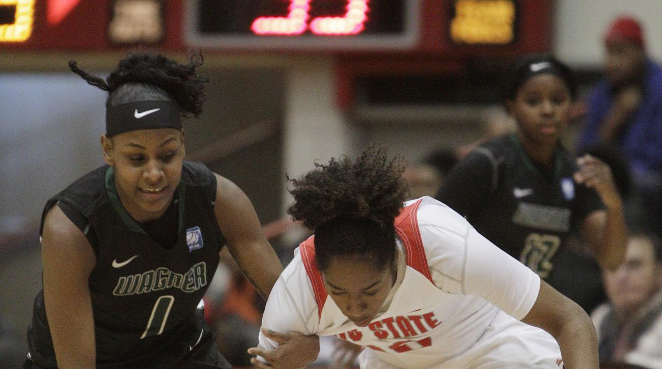 Ohio State's Kaylan Pugh, right, steals the ball from Wagner's Jasmine Nwajei during the third quarter of an NCAA college basketball game Sunday, Nov. 22, 2015, in Columbus, Ohio. Ohio State won 106-47. (AP Photo/Jay LaPrete)