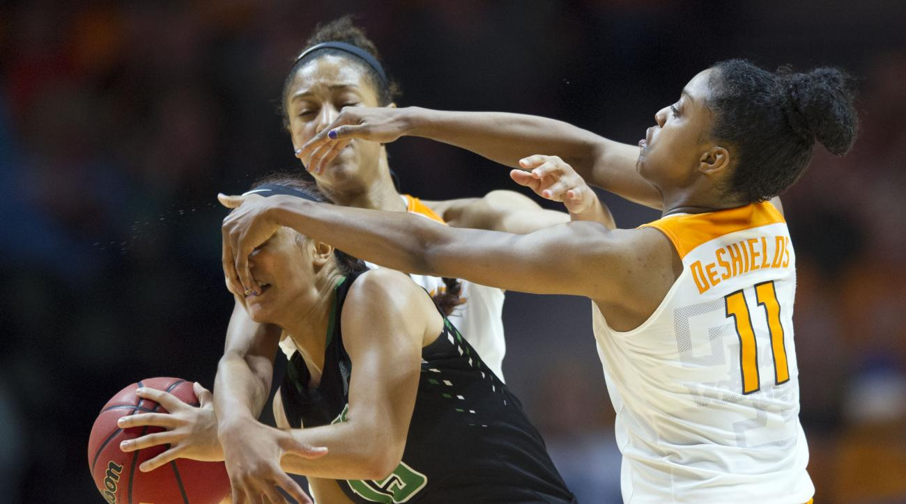 Tennessee's Diamond DeShields, right, and Jaime Nared press Stetson's DeAsia Beal during an NCAA college basketball game in Knoxville, Tenn., Wednesday, Dec. 30, 2015. Tennessee won 90-56. (Saul Young/Knoxville News Sentinel via AP) MANDATORY CREDIT
