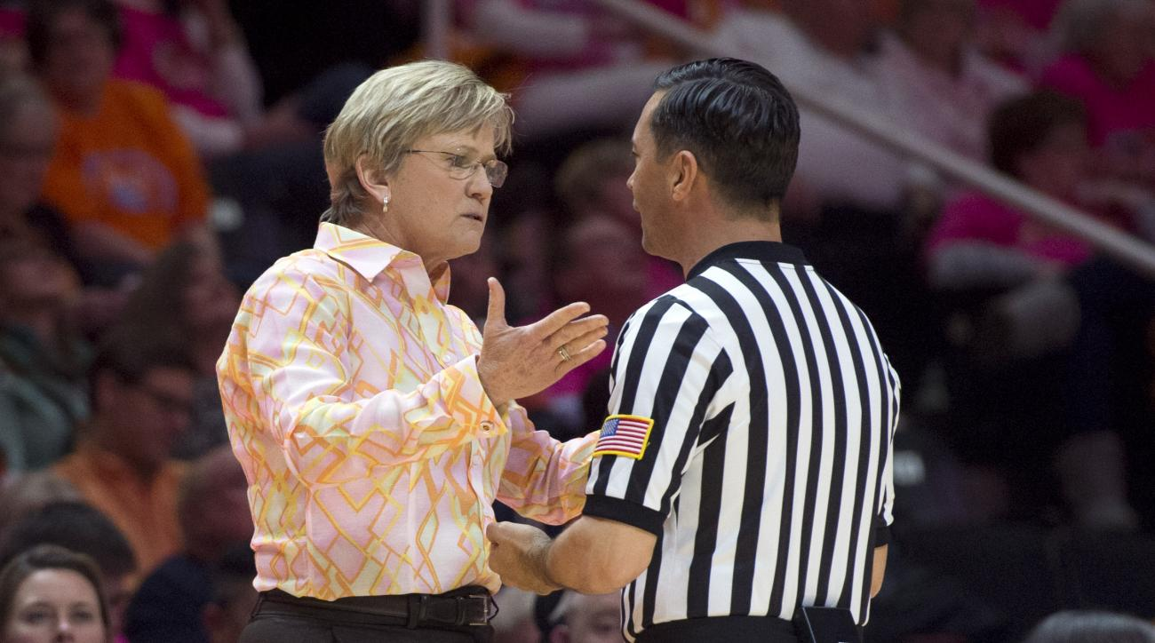 Tennessee head coach Holly Warlick talks with an official during an NCAA college basketball game against Mississippi in Knoxville, Tenn., on Thursday, Feb. 18, 2016. Tennessee defeated Mississippi 57-51. (Saul Young/Knoxville News Sentinel via AP) MANDATO