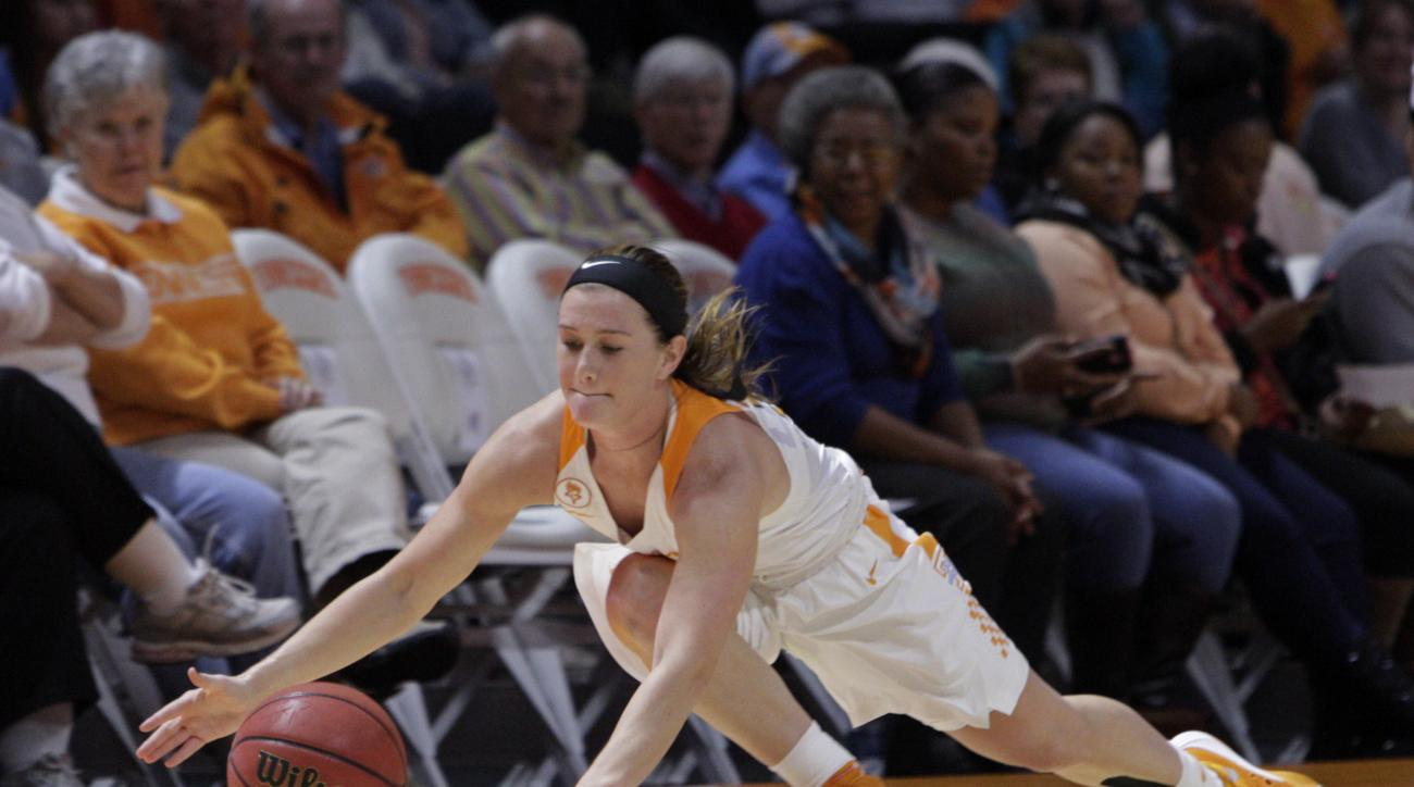 Tennessee guard Alexa Middleton (33) saves the ball from going out of bounds in the first half of an NCAA college basketball game against Penn State Wednesday, Nov. 18, 2015, in Knoxville, Tenn. (AP Photo/Wade Payne)