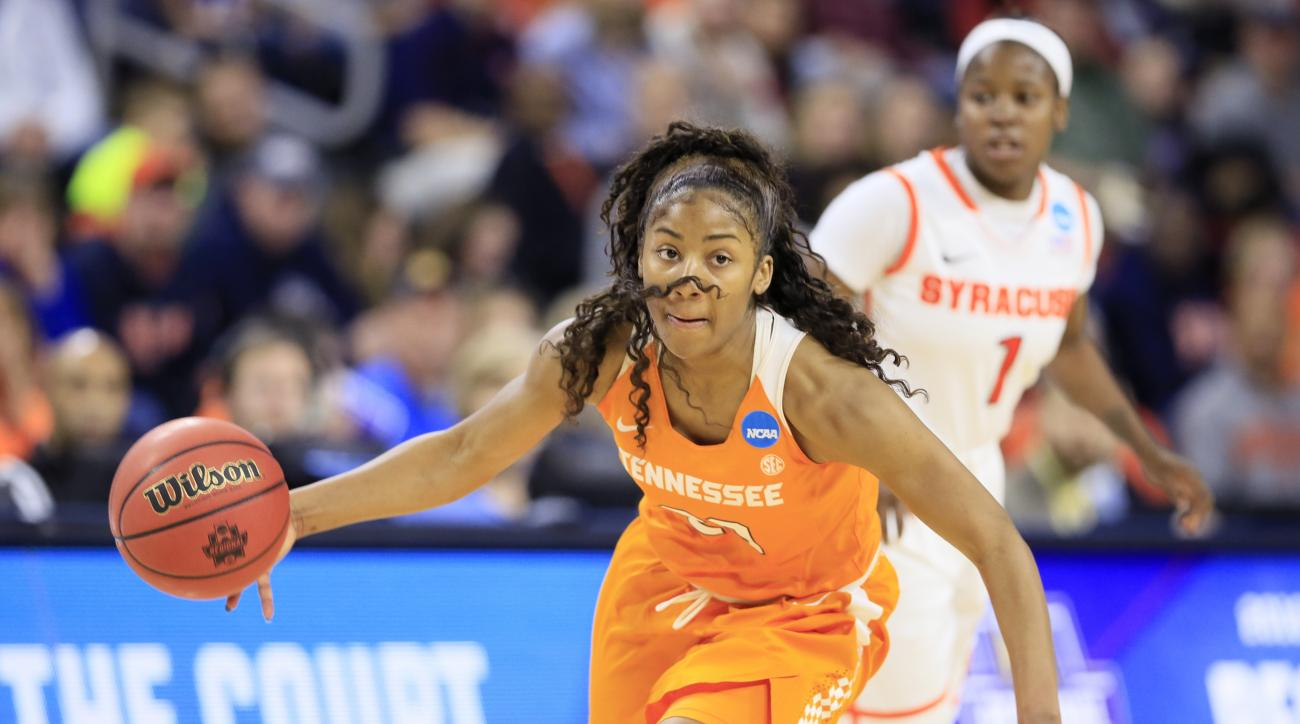 Tennessee guard Te'a Cooper drives up court during the second half of a regional final women's college basketball game against Syracuse in the NCAA Tournament, Sunday, March 27, 2016, in Sioux Falls, S.D. (AP Photo/Charlie Neibergall)