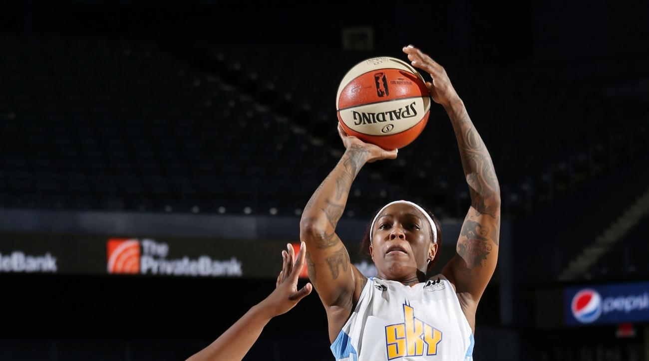 ROSEMONT, IL - JULY 12: Cappie Pondexter #23 of the Chicago Sky takes a shot against the Connecticut Sun on July 12, 2015 at Allstate Arena in Rosemont, Illinois. (Photo by Gary Dineen/NBAE via Getty Images)