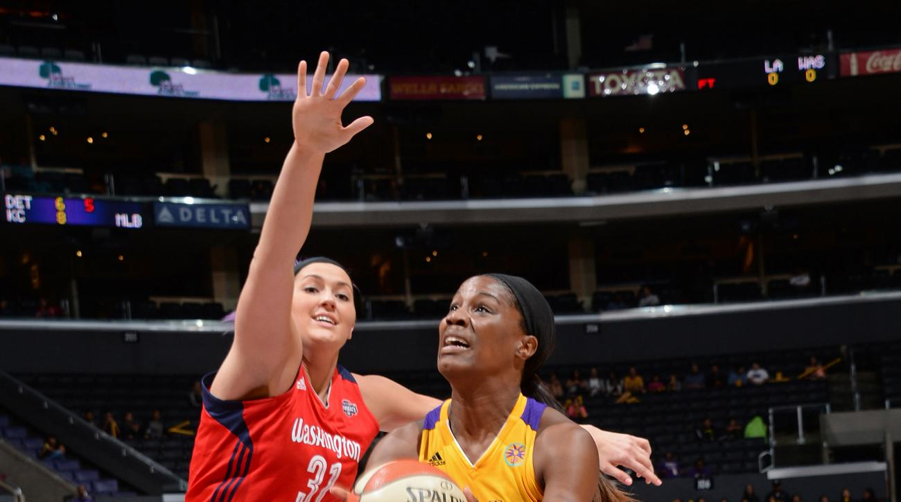 LOS ANGELES, CA - SEPTEMBER 03:  Jantel Lavender #42 of the Los Angeles Sparks drives to the basket against the Washington Mystics at STAPLES Center on September 03, 2015 in Los Angeles, California.  (Photo by Andrew D. Bernstein/NBAE via Getty Images)