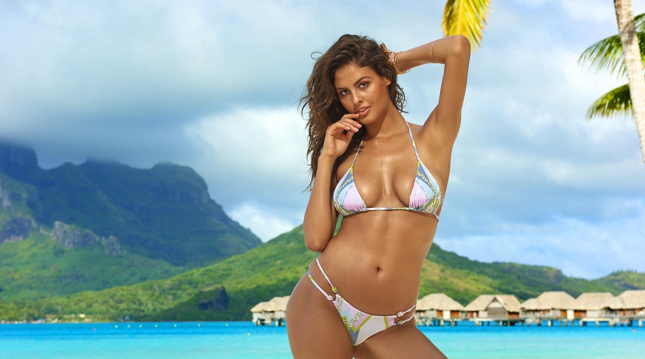 Bo Krsmanovic was photographed by Yu Tsai in The Islands Of Tahiti. Swimsuit by BEACH RIOT By NICOLE HANRIOT.