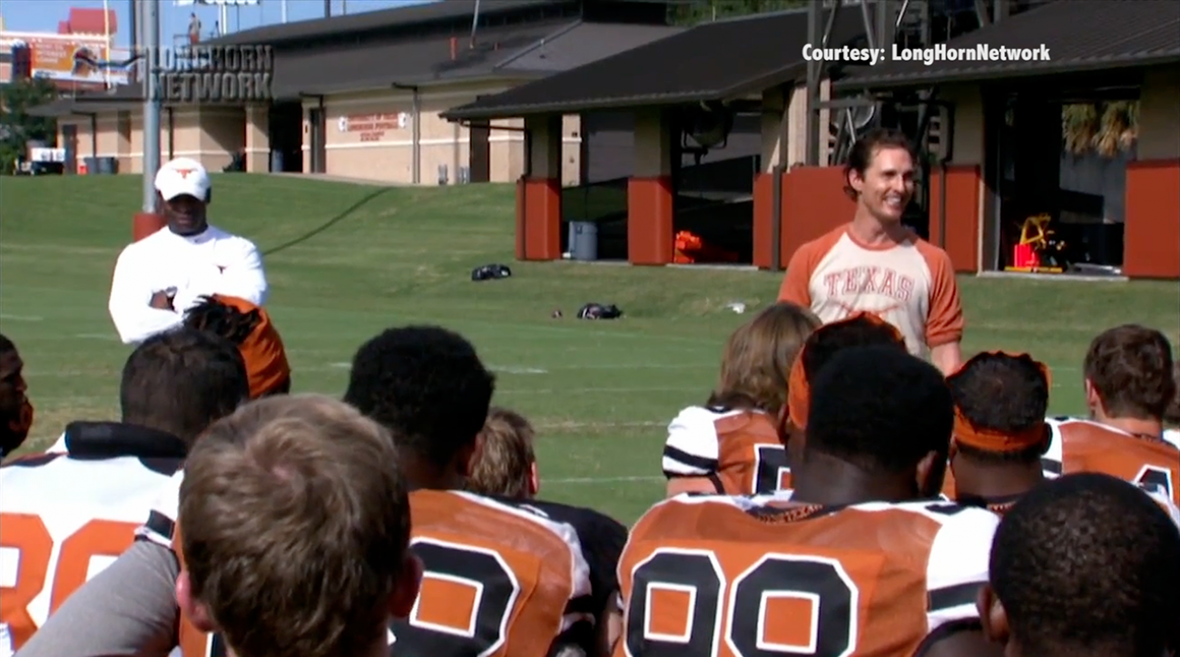 mcconaughey visits texas football team