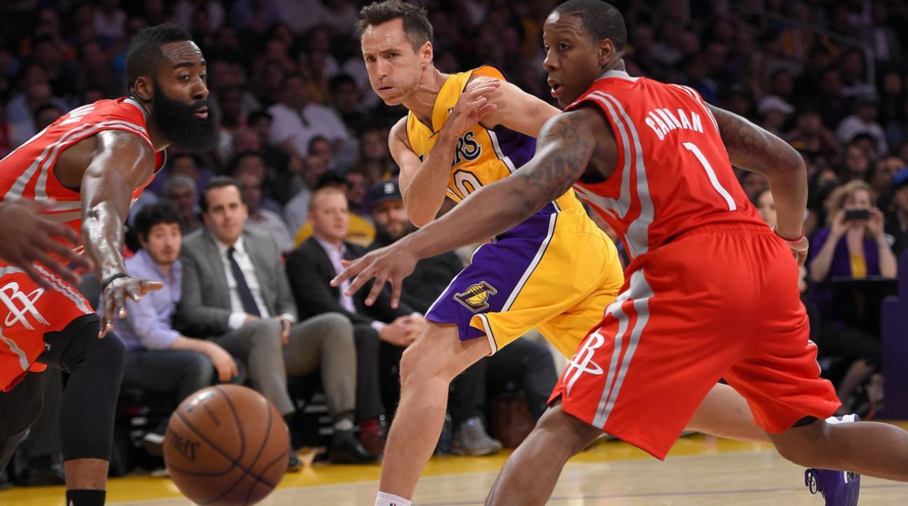 Los Angeles Lakers Guard Steve Nash tweaks back, career could be over.