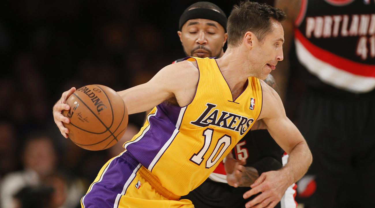 Former and current NBA players praise Lakers PG following injury that might result in Nash retiring.