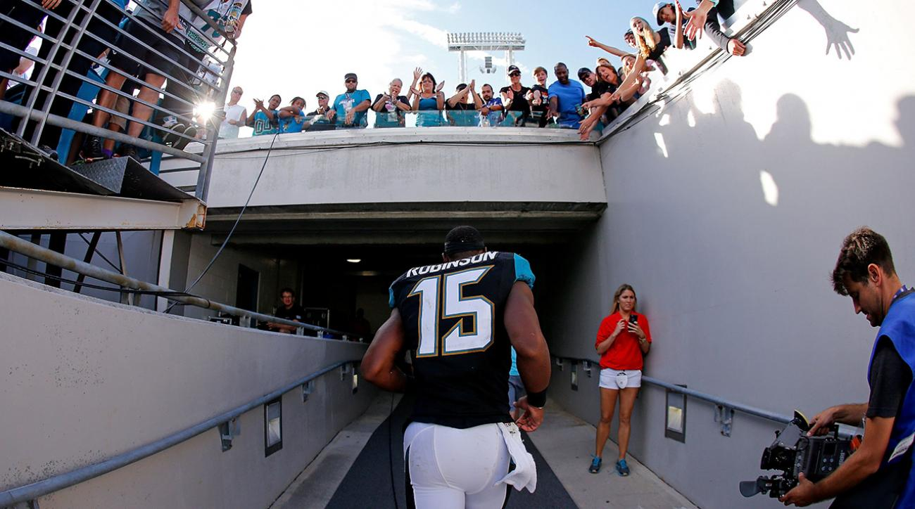 Jaguars' Allen Robinson out for season with stress fracture