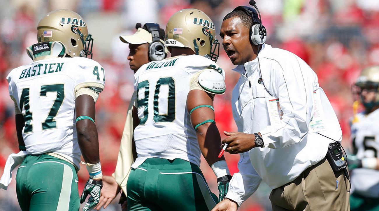University of Alabama-Birmingham shuts down football program, fires athletic director