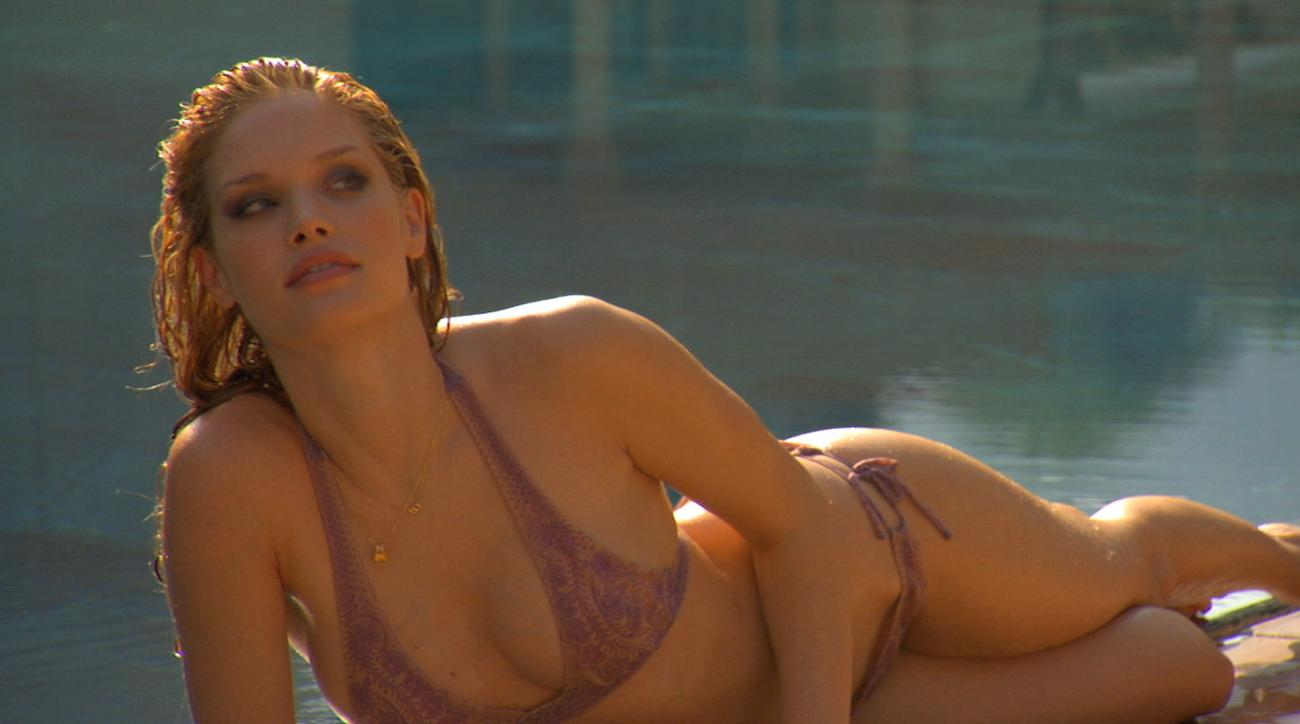Julie Ordon SI Swimsuit Model 2010 (image)