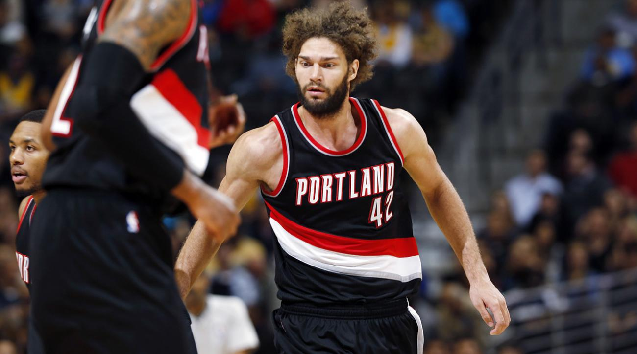 "Blazers' Robin Lopez fractures hand, will be out ""a while"""
