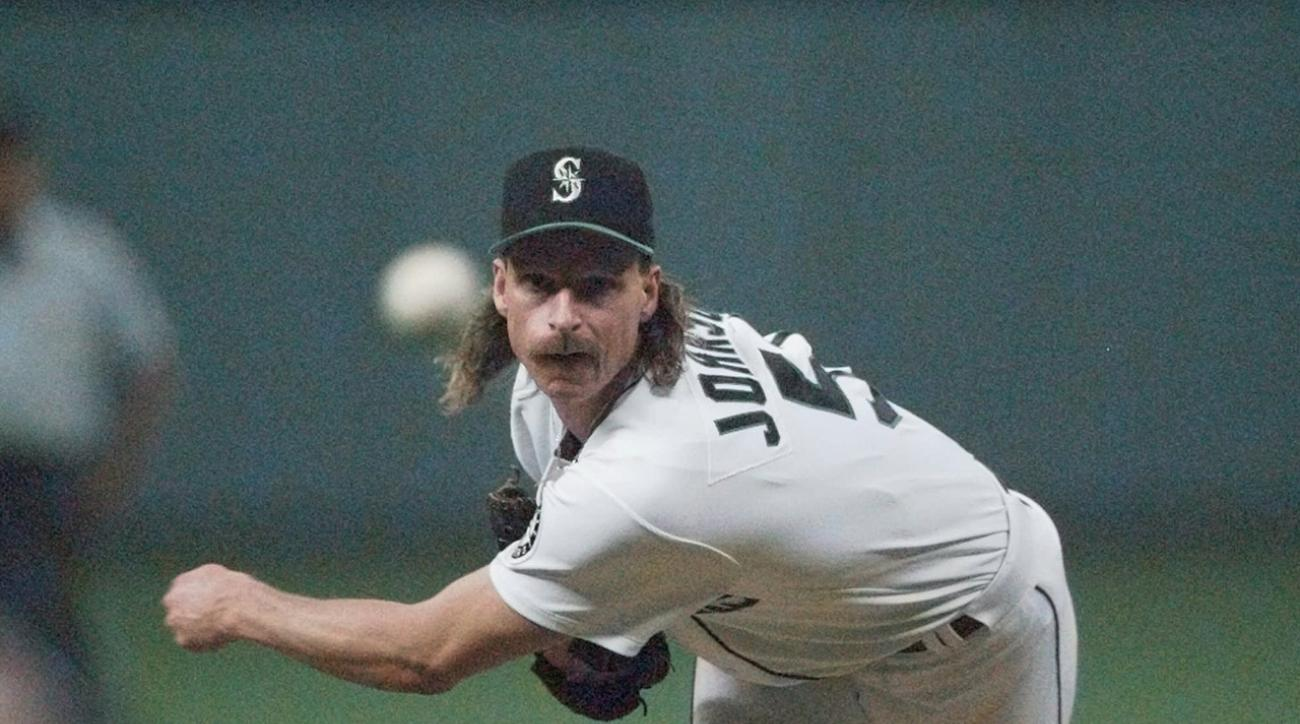 Randy Johnson, Pedro Martinez among players voted in to Hall of Fame