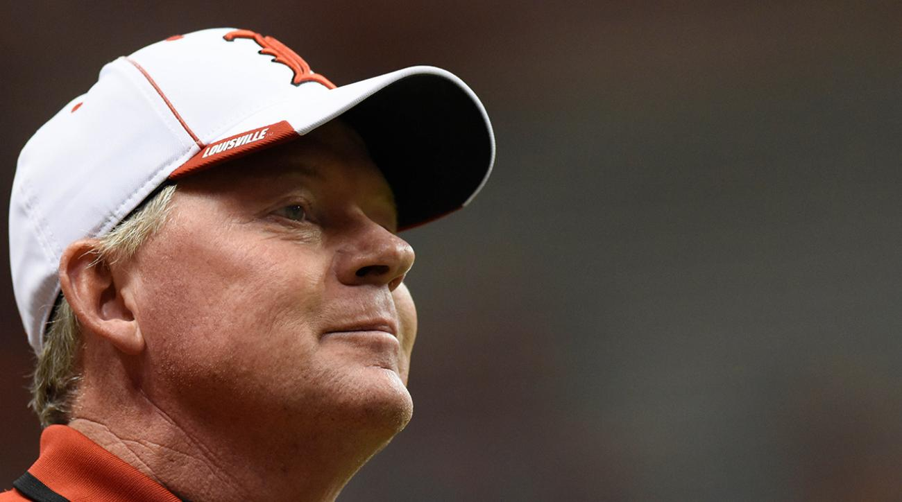Bobby Petrino takes away recruit's scholarship