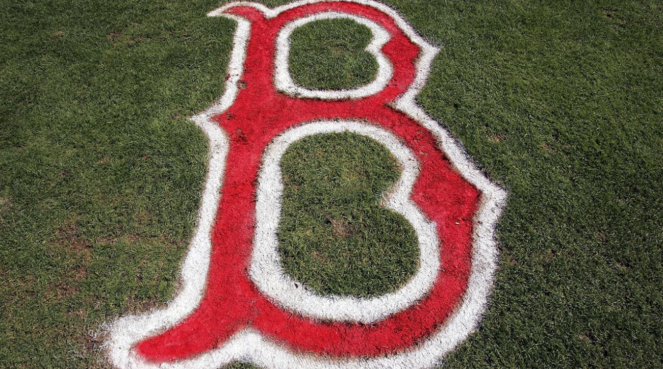 Red Sox sign top Cuban prospect to record deal