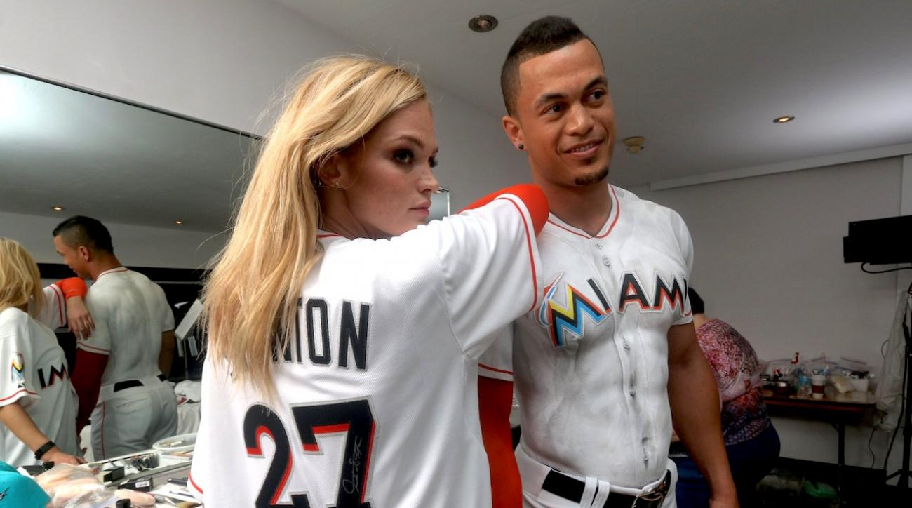 classic fit d2091 85375 Behind the scenes: Giancarlo Stanton graces SI cover in body paint