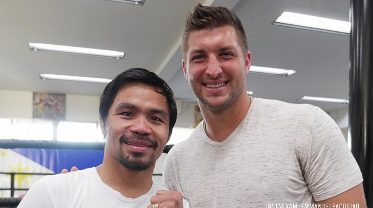 Tim Tebow visits Manny Pacquiao during training session