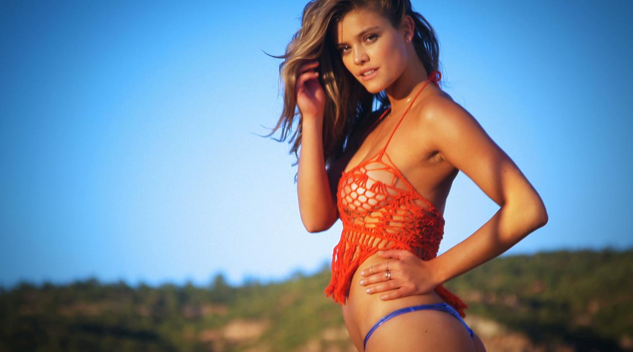 Sexy SI Swimsuit Model Nina Agdal (image)