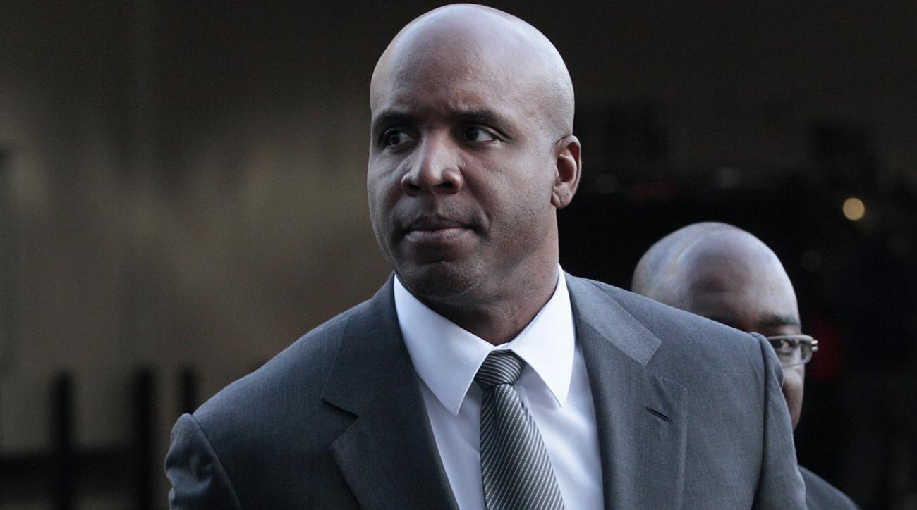 barry bonds suing MLB