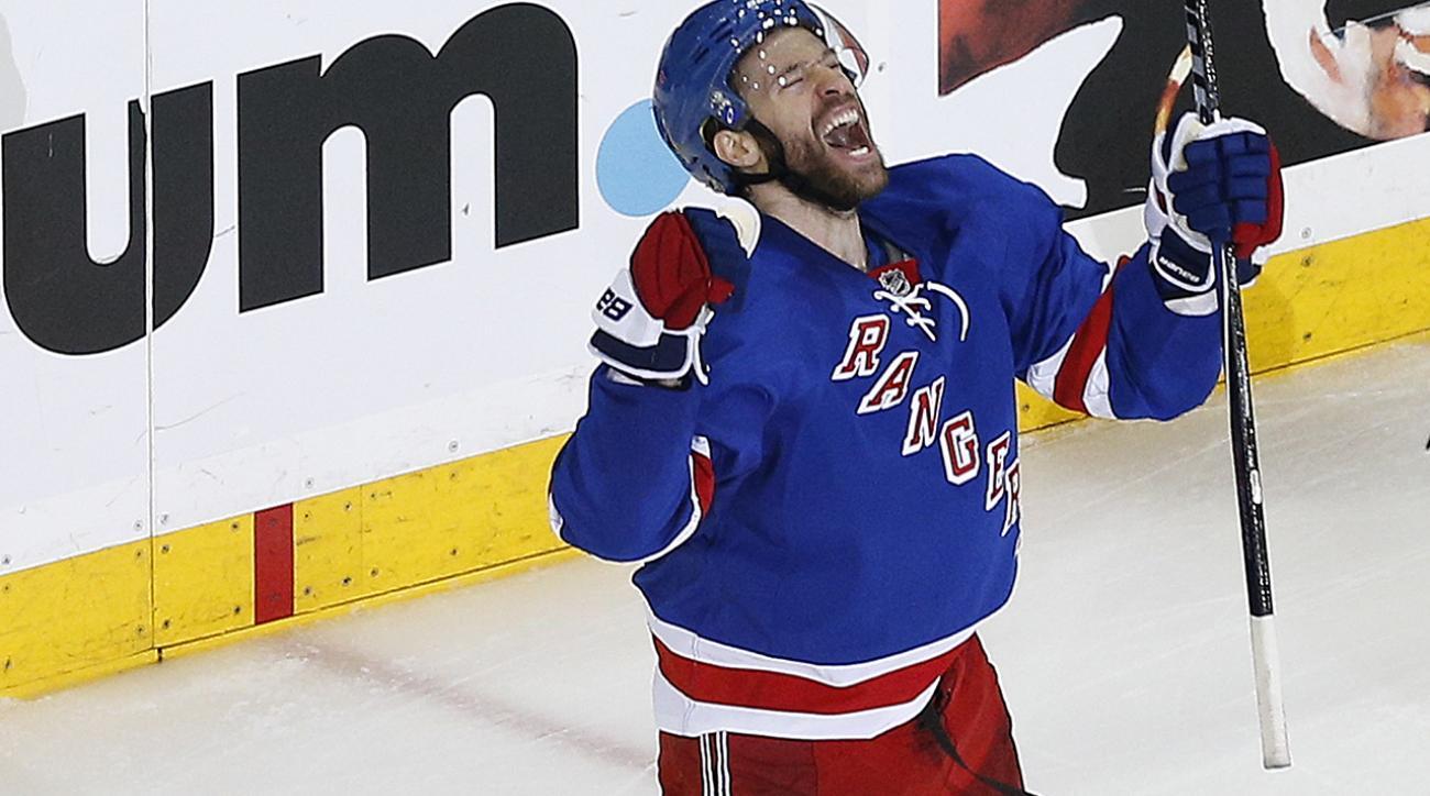 New York Rangers C Dominic Moore notches game-winner