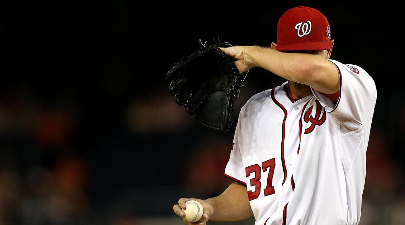 Washington Nationals pitcher Stephen Strasburg leaves start after 16 pitches