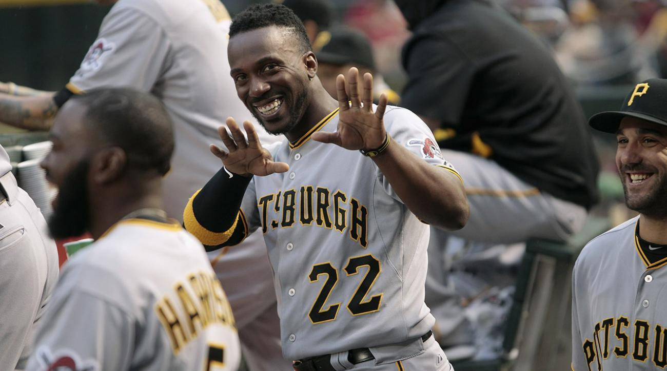 Andrew McCutchen gives batting gloves to ecstatic Pirates fans