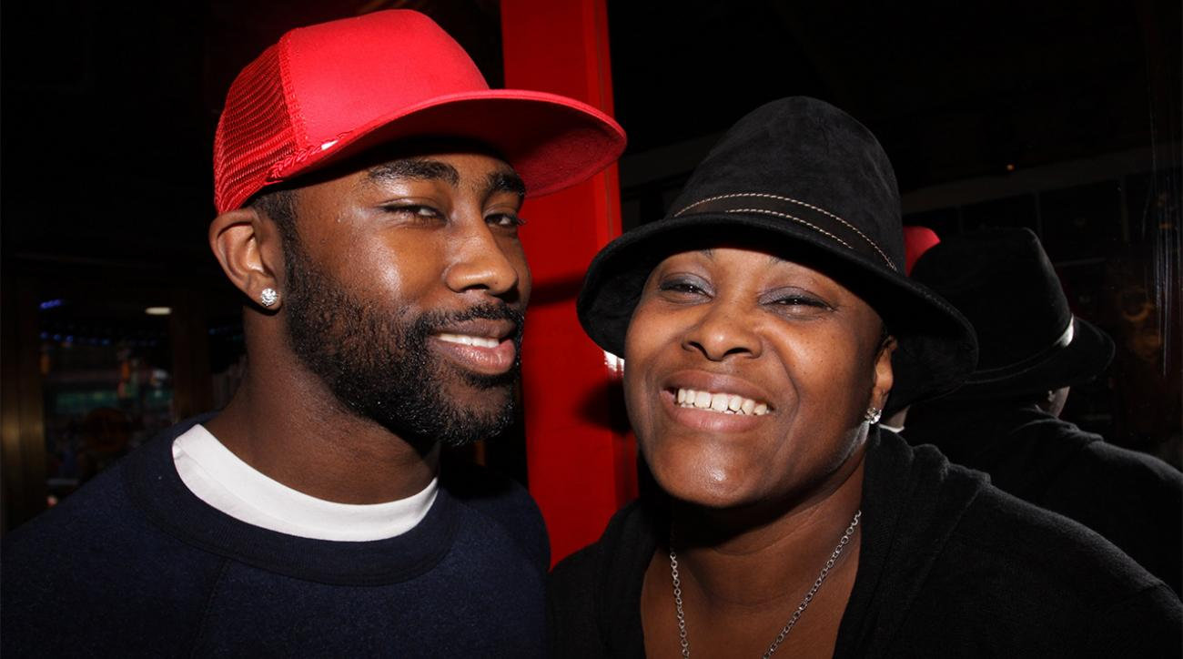 Darrelle Revis' mother barred from Patriots Super Bowl ring ceremony