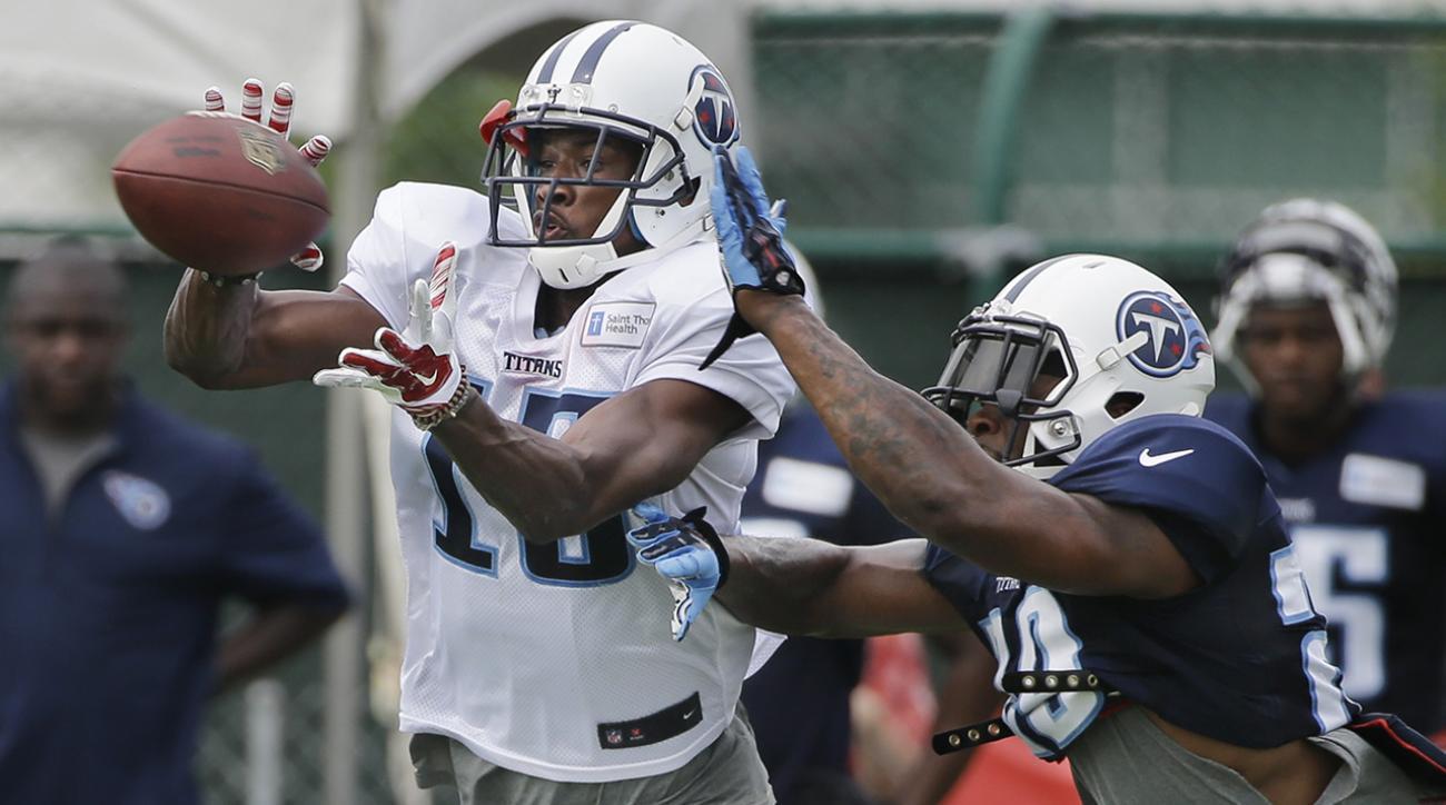 Titans defense creates havoc for QB's and offense