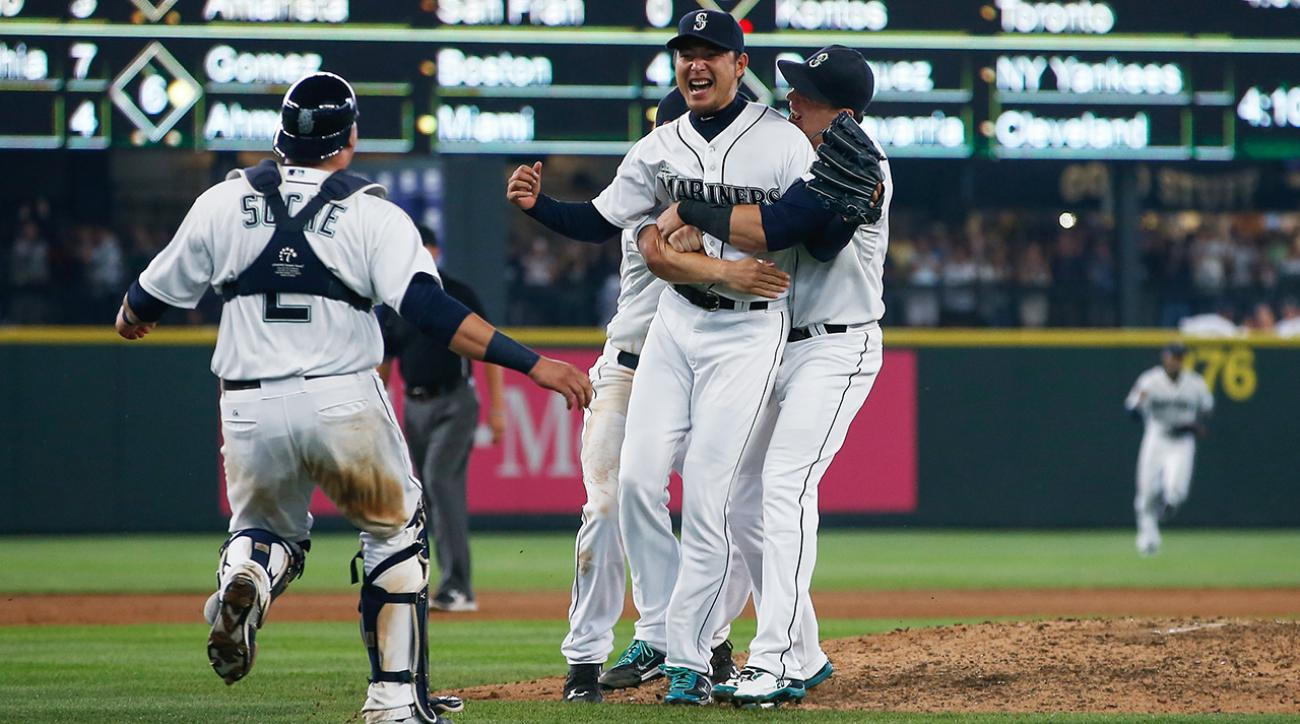 Mariners' Hisashi Iwakuma throws first career no-hitter against Orioles  IMAGE