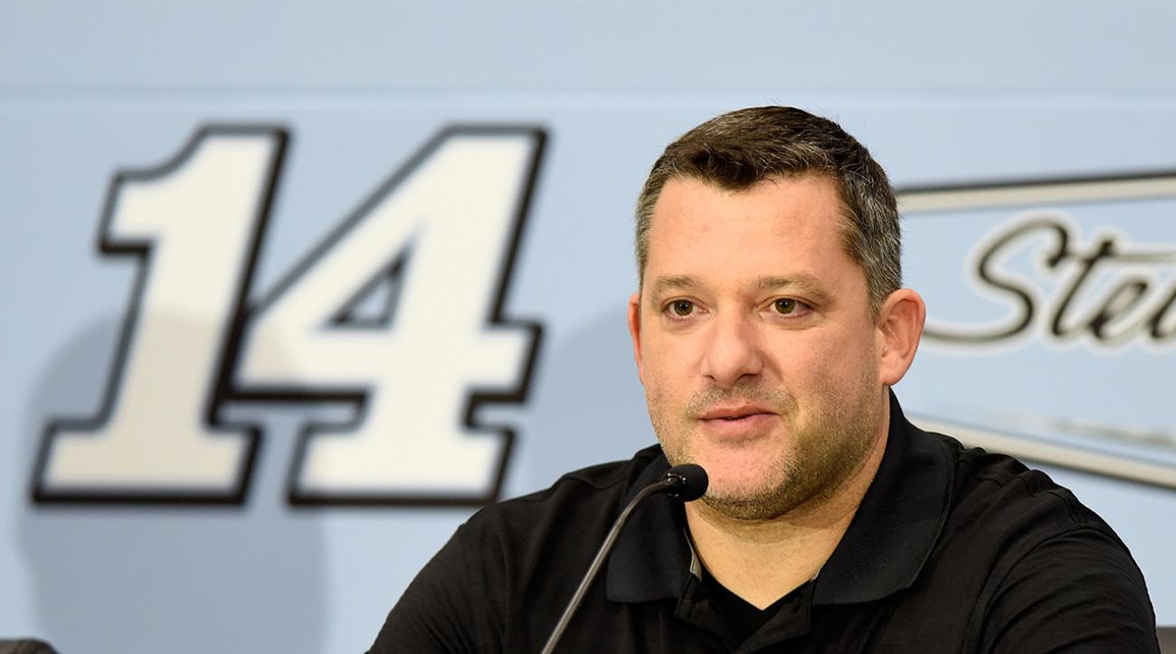 Tony Stewart officially announces retirement