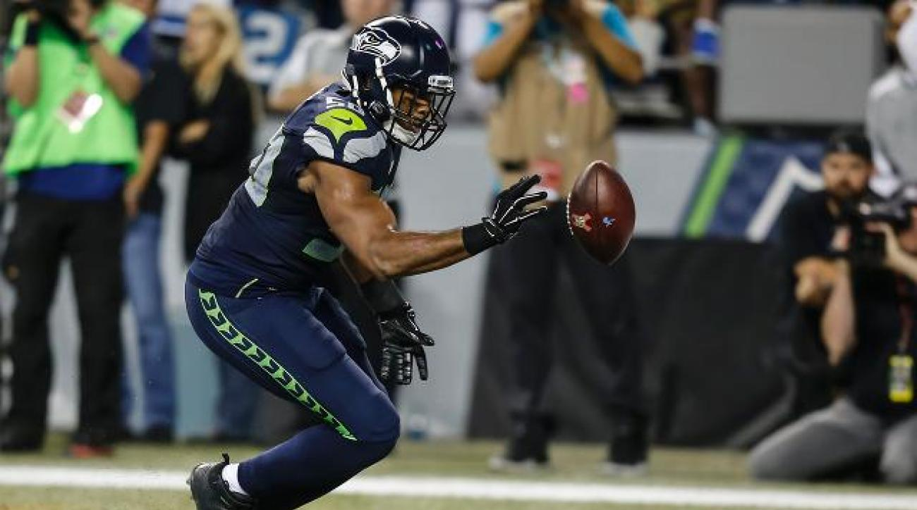 Controversial no-call helps Seahawks beat Lions