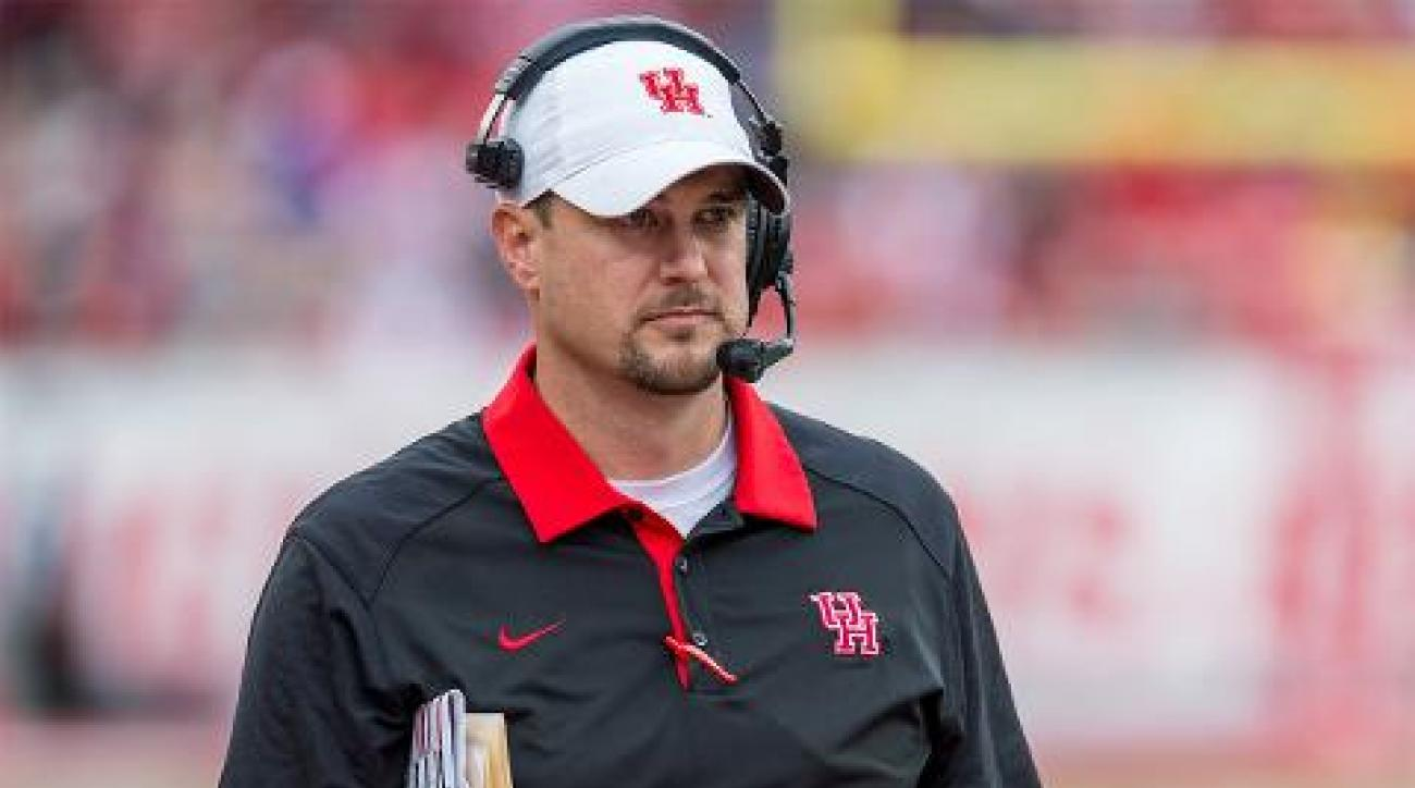 Tom Herman agrees to remain Houston head coach