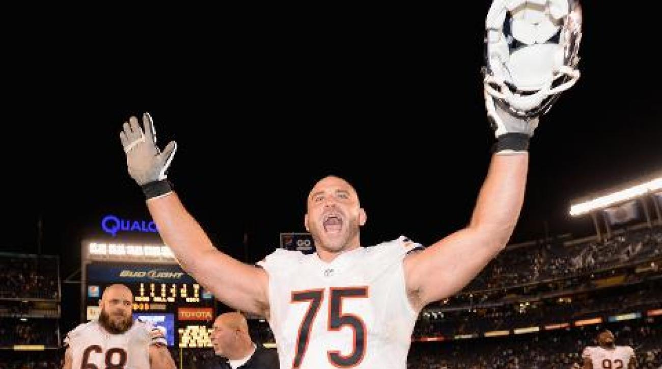 Bears OL Kyle Long gives garbage man Bears tickets