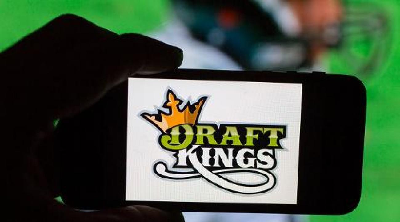 DraftKings, FanDuel declared illegal gambling in Illinois
