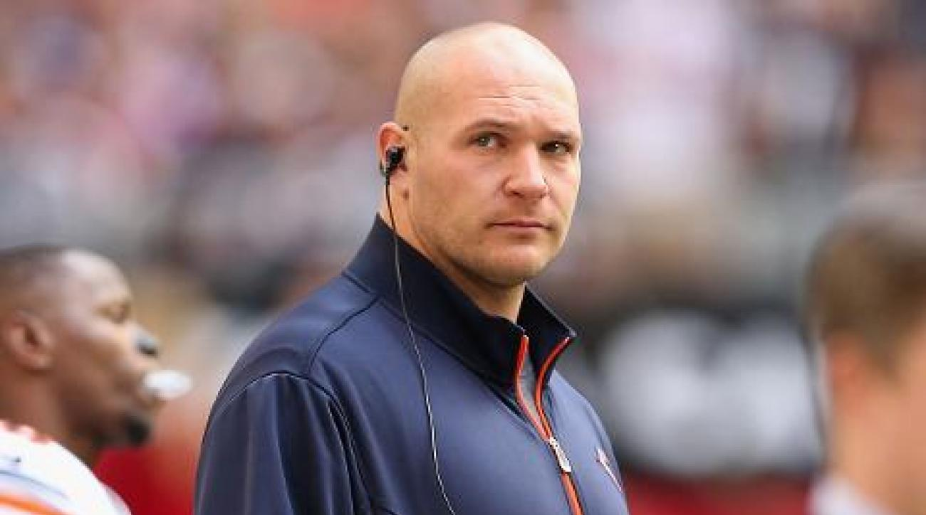 Former Bears linebacker Brian Urlacher talks about his hair transplant IMAGE