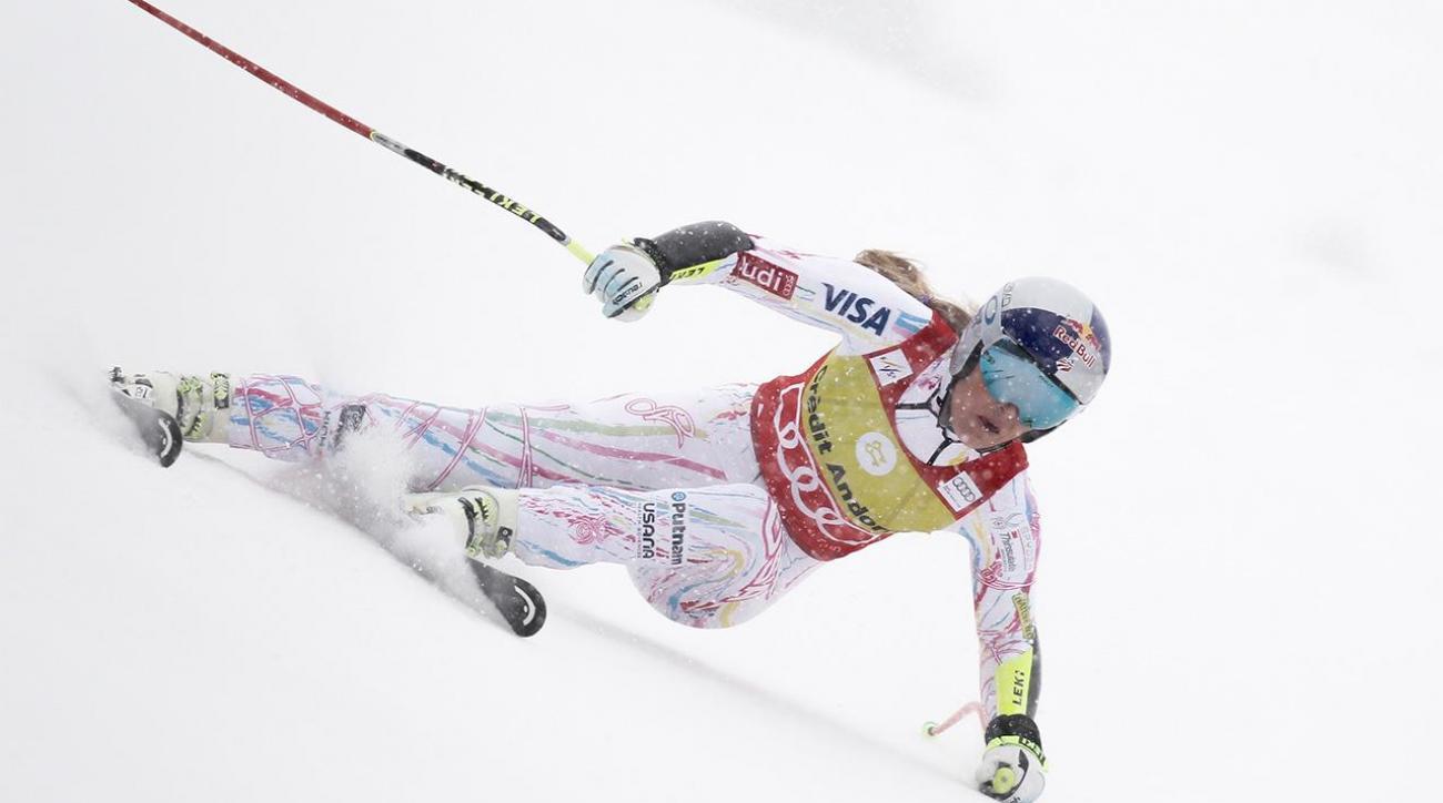 Lindsey Vonn injured in crash