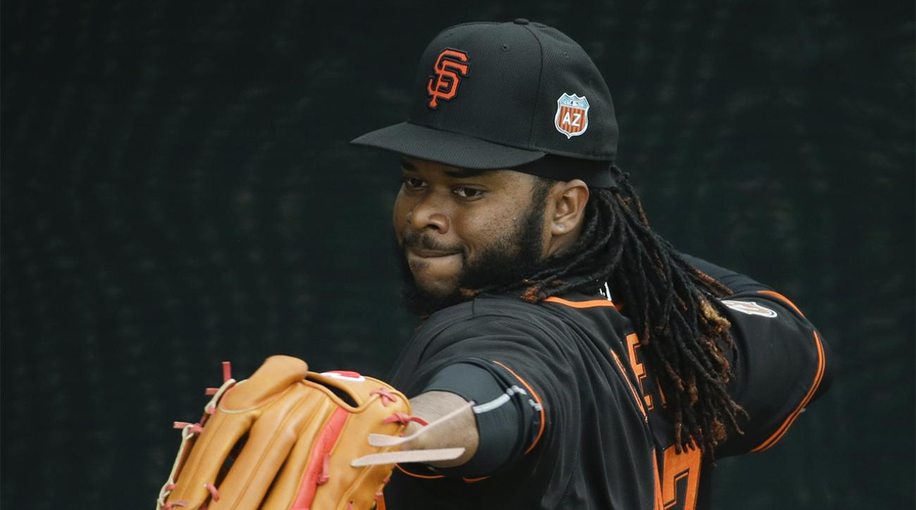 Johnny Cueto shows no concussion symptoms after line drive to head IMAGE