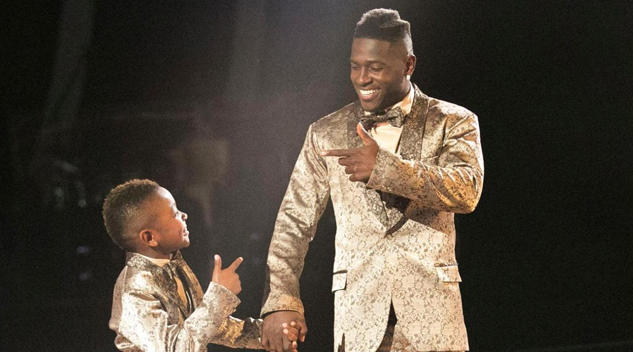 Antonio Brown Son >> Steelers Wr Antonio Brown S Son Joins Him On Dancing With The Stars