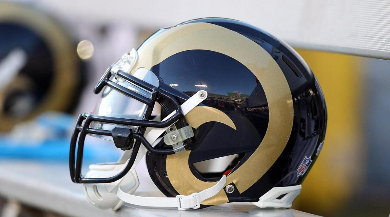 Titans trade first overall pick to Rams