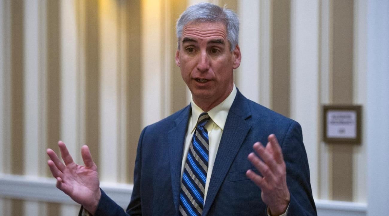 NCAA executive Oliver Luck: Satellite camp rule may be revisited