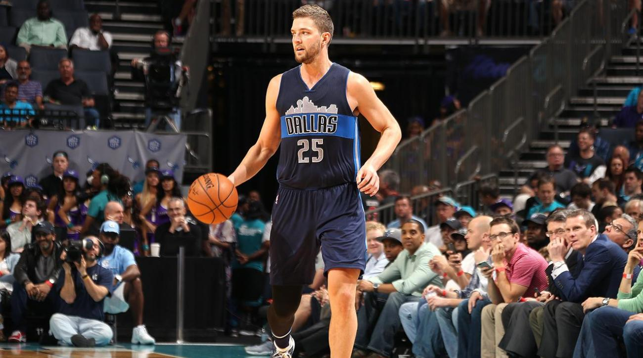 Parsons, Turner sign with new teams,  Conley stays put