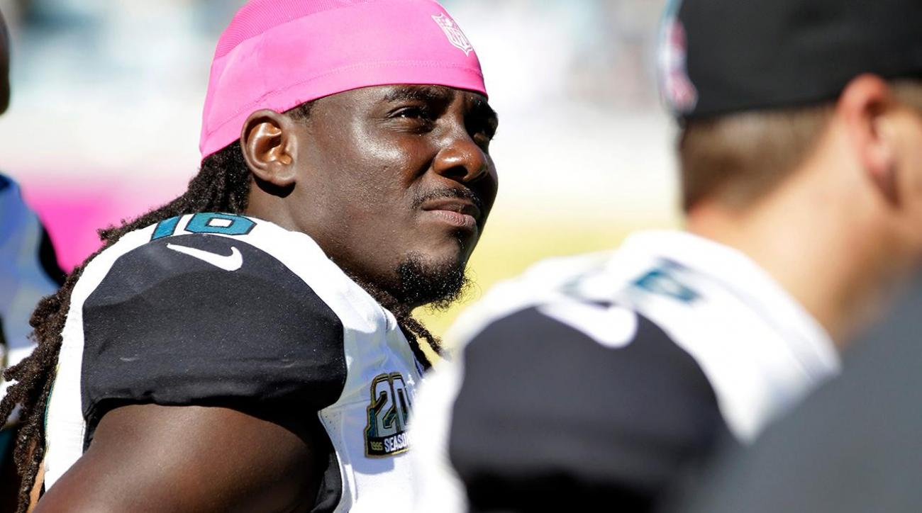 Jaguars RB Denard Robinson found asleep at the wheel in sinking car