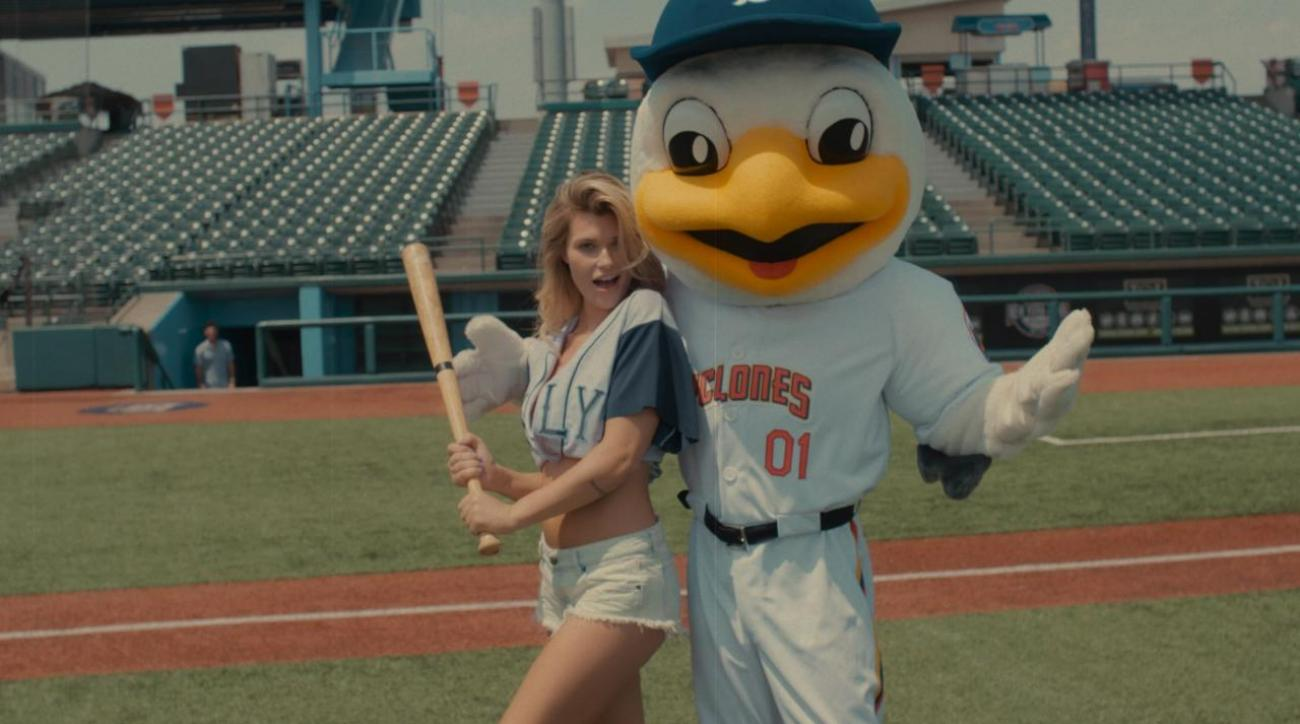 Samantha Hoopes SI Swimsuit Baseball Tutorial