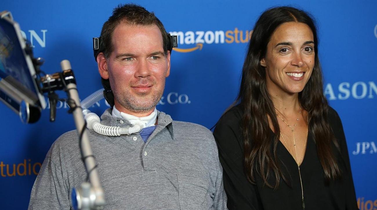 Current and former NFL players reflect on Steve Gleason's battle