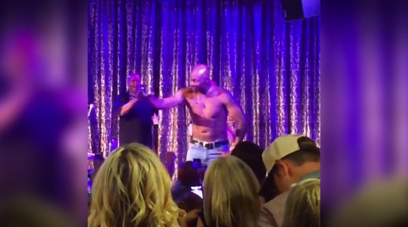 Mustard Minute: Jerry Rice dances shirtless, woos the ladies during weekend golf tournament IMG