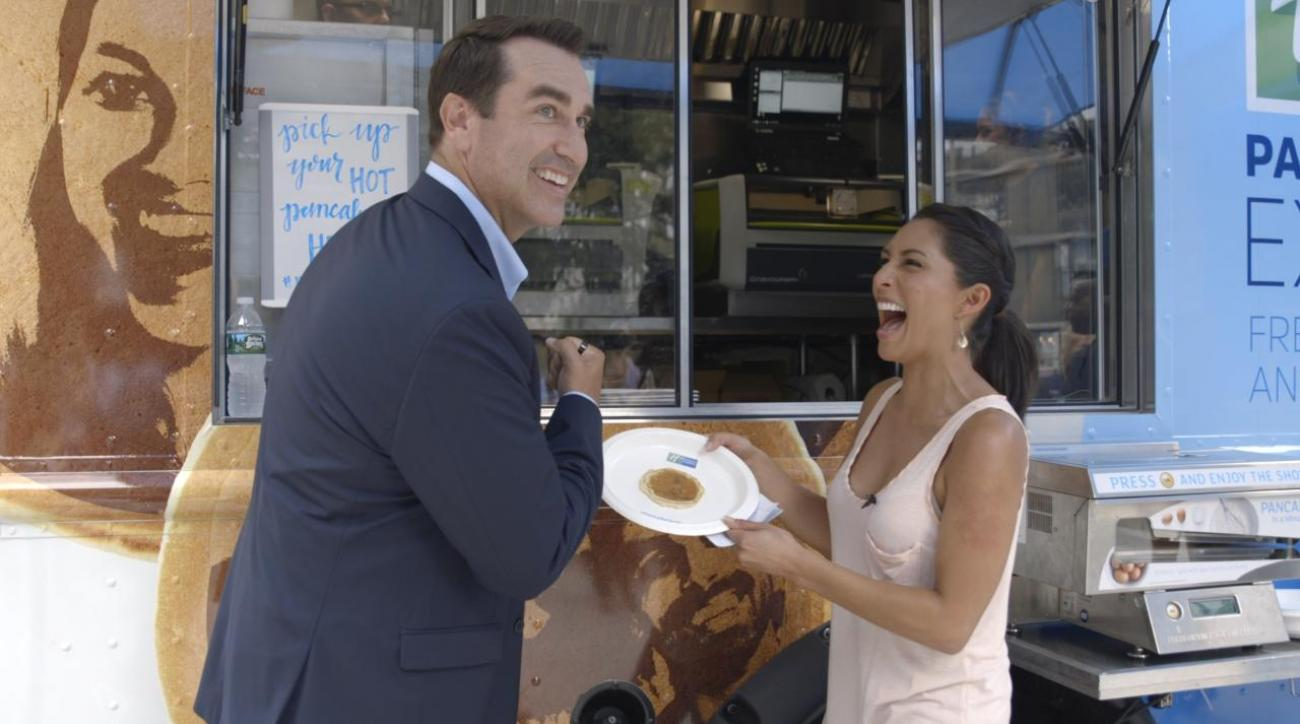 Mustard Minute: We put iconic Sports Illustrated photos on pancakes with Rob Riggle IMG