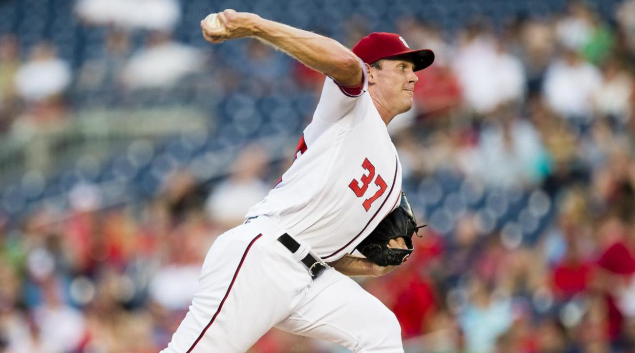 Nationals ace Stephen Strasburg leaves game with apparent injury  IMAGE