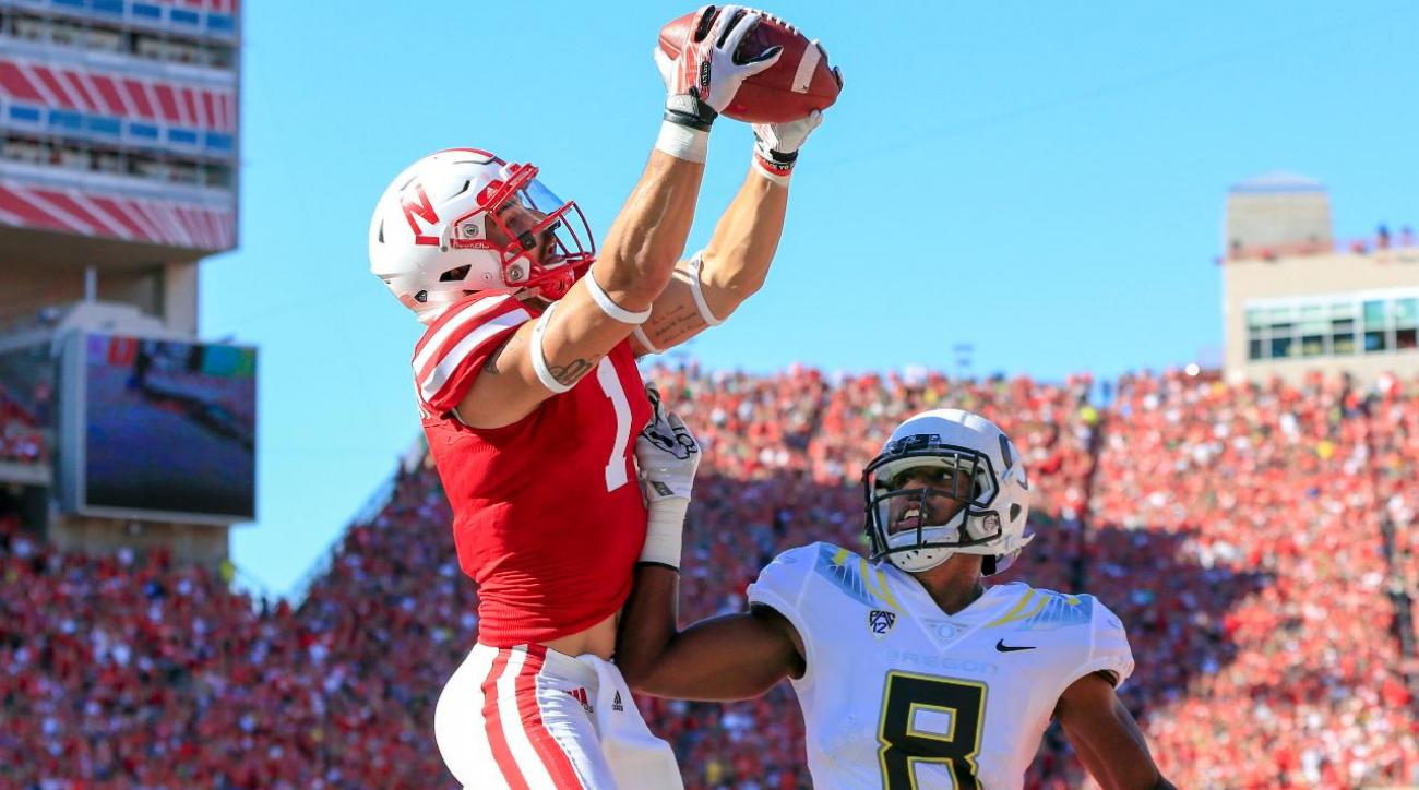 No. 22 Ducks miss four 2-point conversions, lose by three to Nebraska