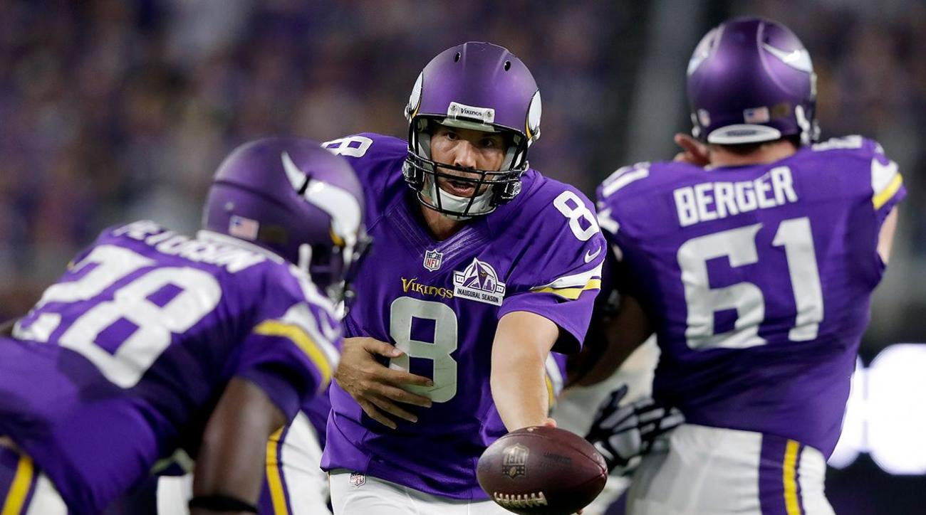 8e938e84 QB Sam Bradford shines in Vikings debut